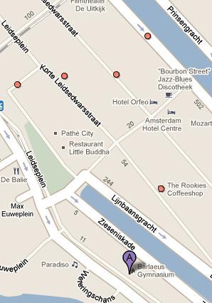 Binnen 350 meter van het Barlaeus Gymnasium (paars) zitten 5 coffeeshops (rood). Bron: Google Maps