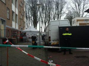 Politie bij de Wolbrantskerkweg (Foto: Guus Ritzen)