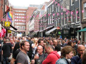 De 'roze straat' Reguliersdwarsstraat (Bron: www.reguliers.nl